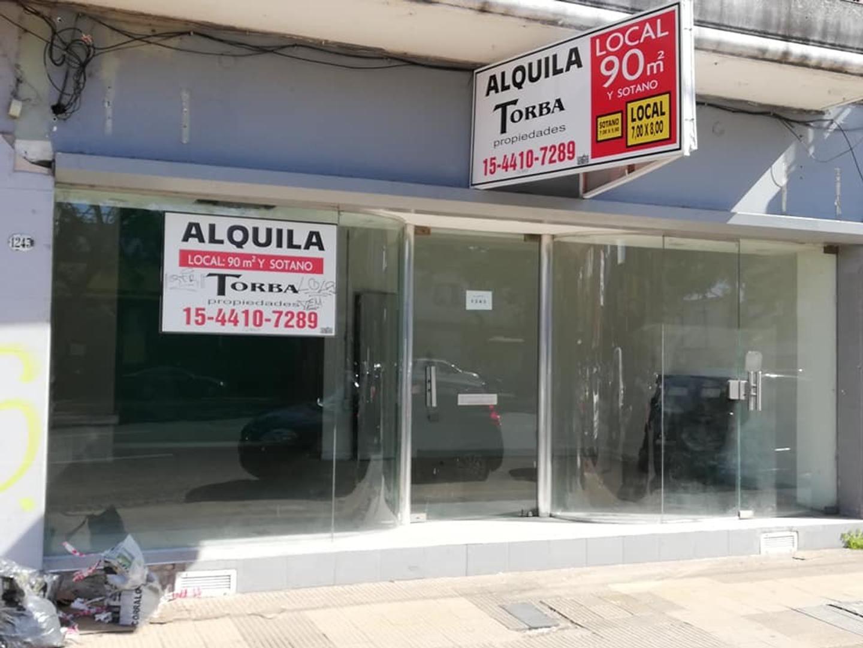 Local en Alquiler Martinez S/ Av Santa Fe zona Super comercial gran vidriera 7 mts de frente sotano