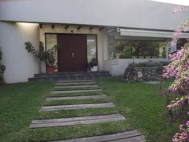 Casa en Venta en Ciudad De La Costa - 5 ambientes