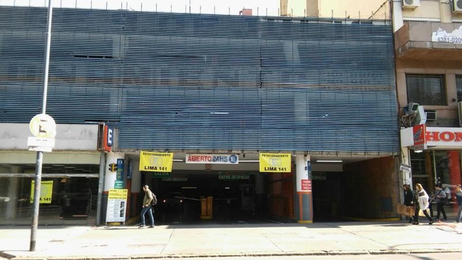 Cocheras fijas cubiertas en venta zona Monserrat