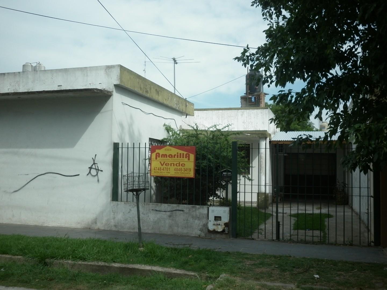 SOURDEAUX CASA CON LOCAL 300 M2 DE TERRENO