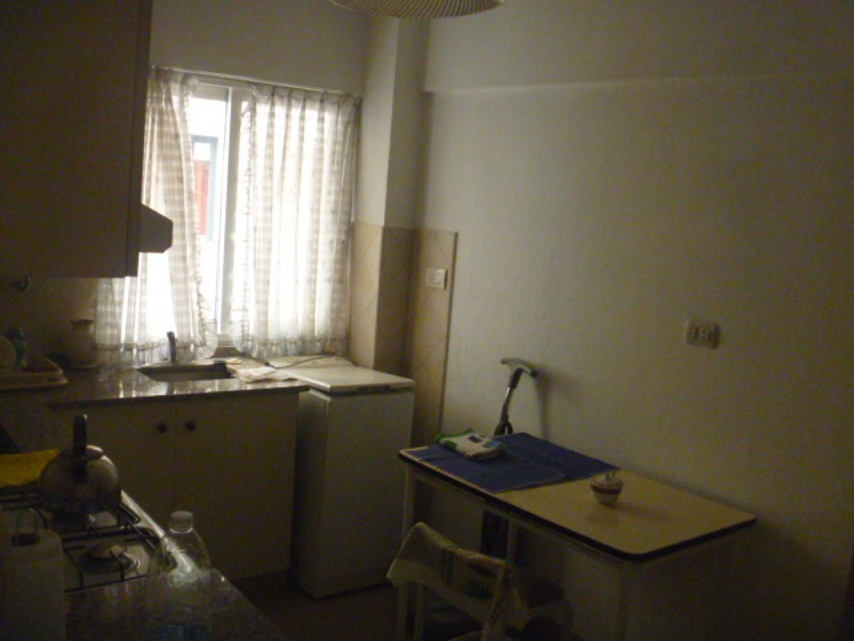 Dpto. 2 Dormitorios con Balcón Corrido. Amueblado.