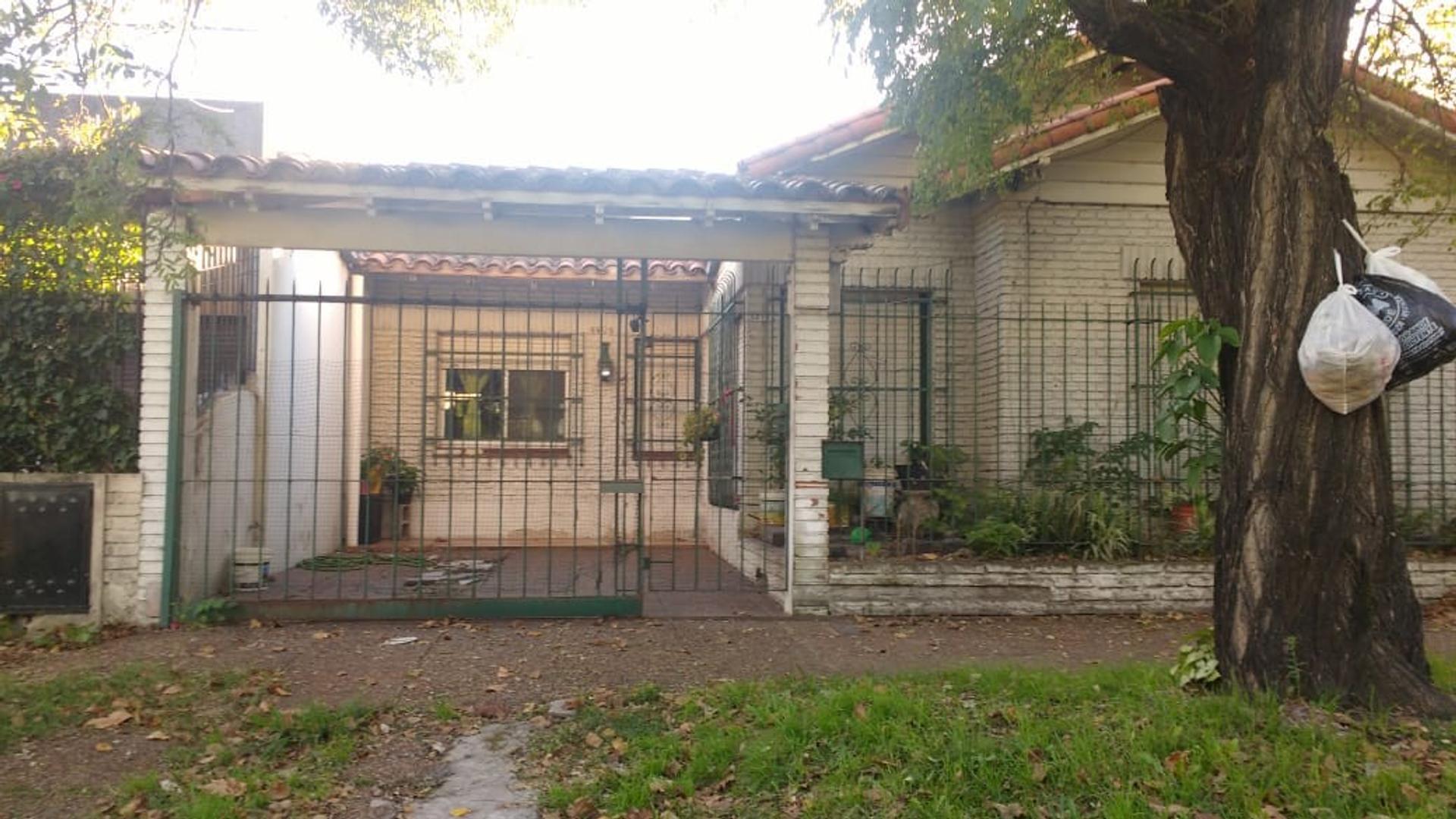 Casa en Venta en Don Bosco - 3 ambientes