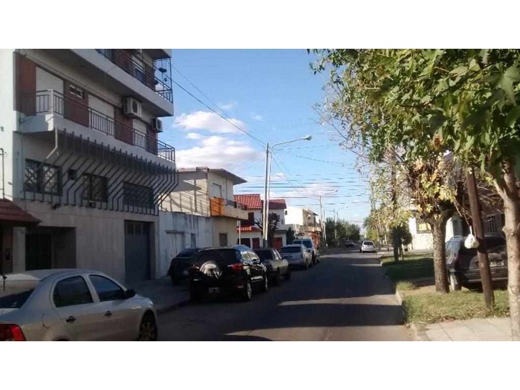 4 AMB al FTE SE ALQUILA CON SEGURO DE CAUCION O GARANTIA PROPIETARIA...