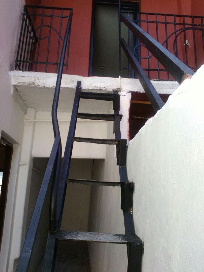 Depto tipo casa /sin expensas /Avellaneda giribone 900