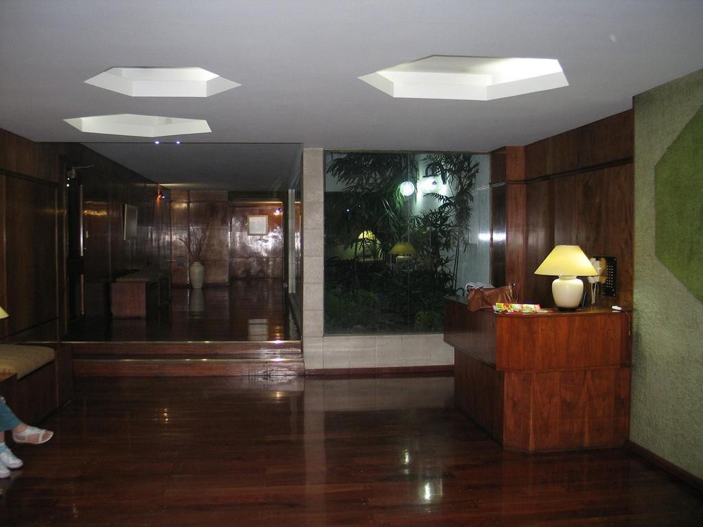 3 AMBIENTES - EXCELENTE ZONA - 2 DORMITORIOS - BAÑO COMPLETO - COCINA SEPARADA - LAVADERO - BALCON