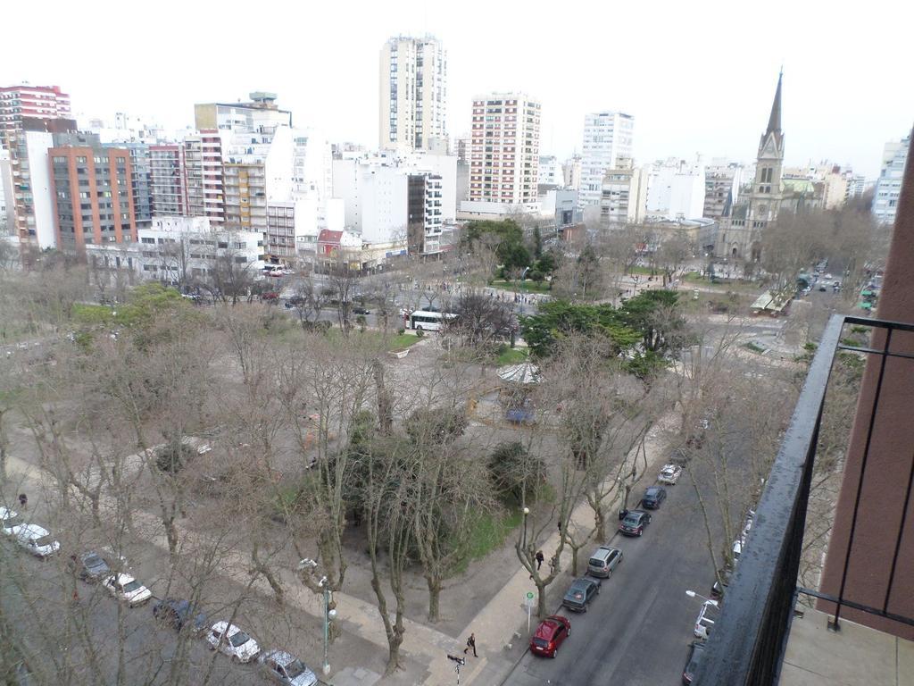 1 amb. a la calle | Balcon saliente | Zona La Perla.