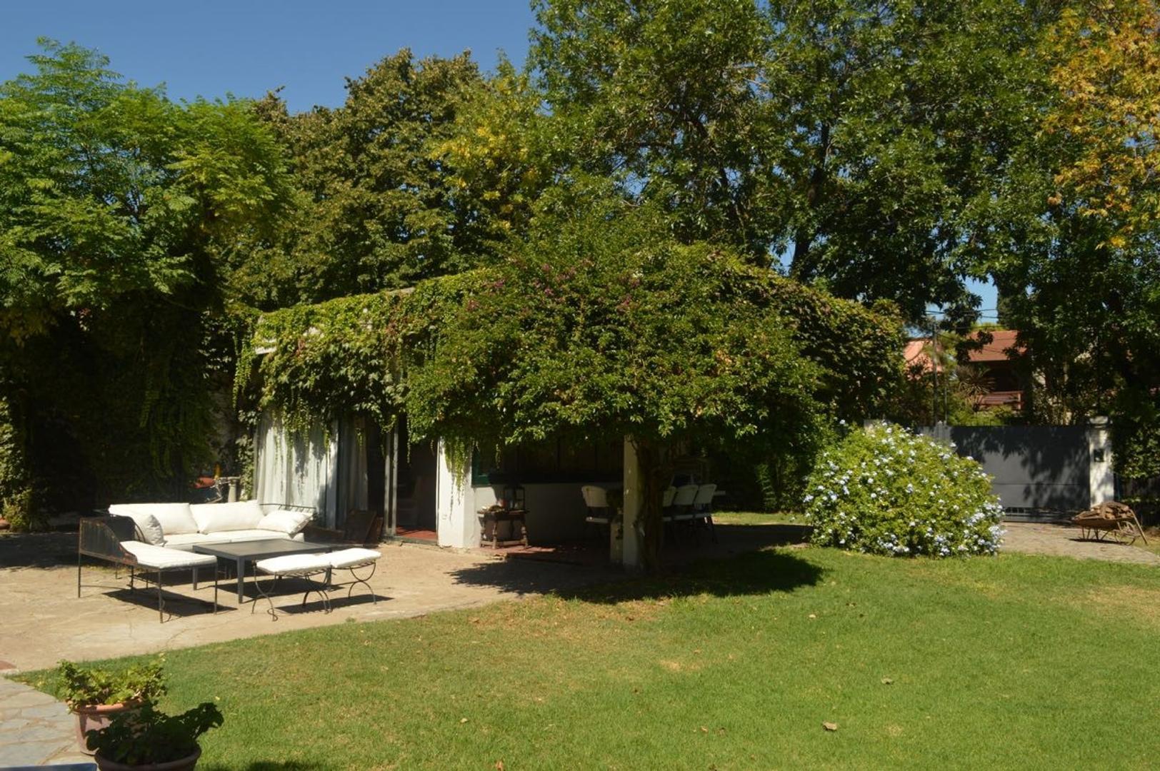 Casa en Venta en Triangulo - 4 ambientes
