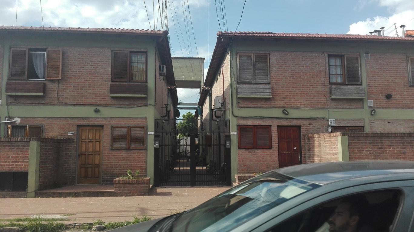 Departamento tipo casa en planta baja con patio sin expensas APTO CREDITO