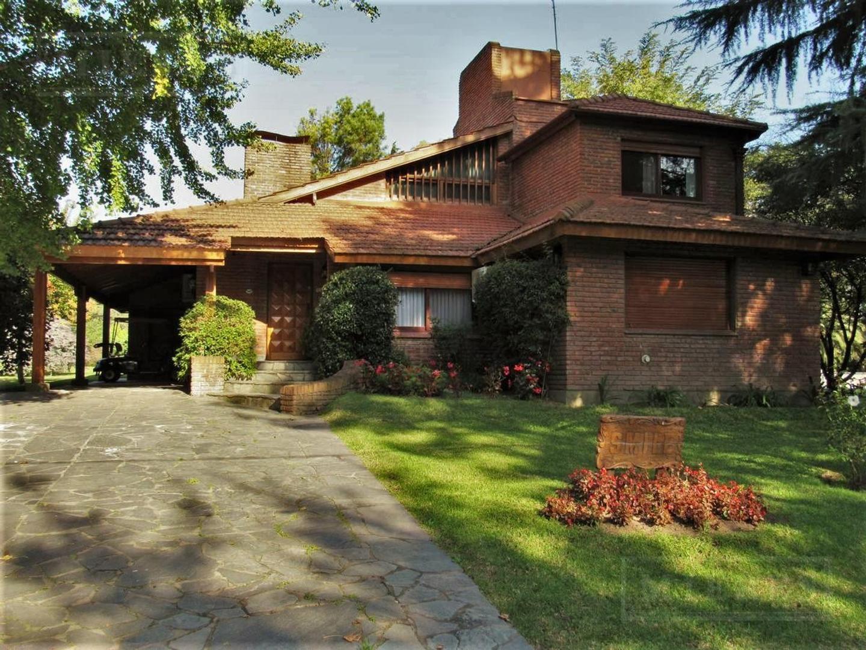 Mieres Propiedades - Casa de 350 mts. en Highland Park
