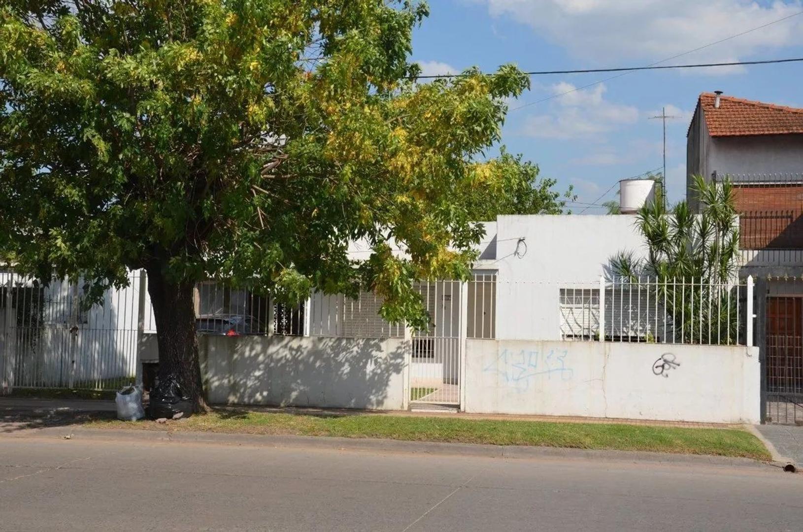 Casa en Venta en Burzaco - 3 ambientes