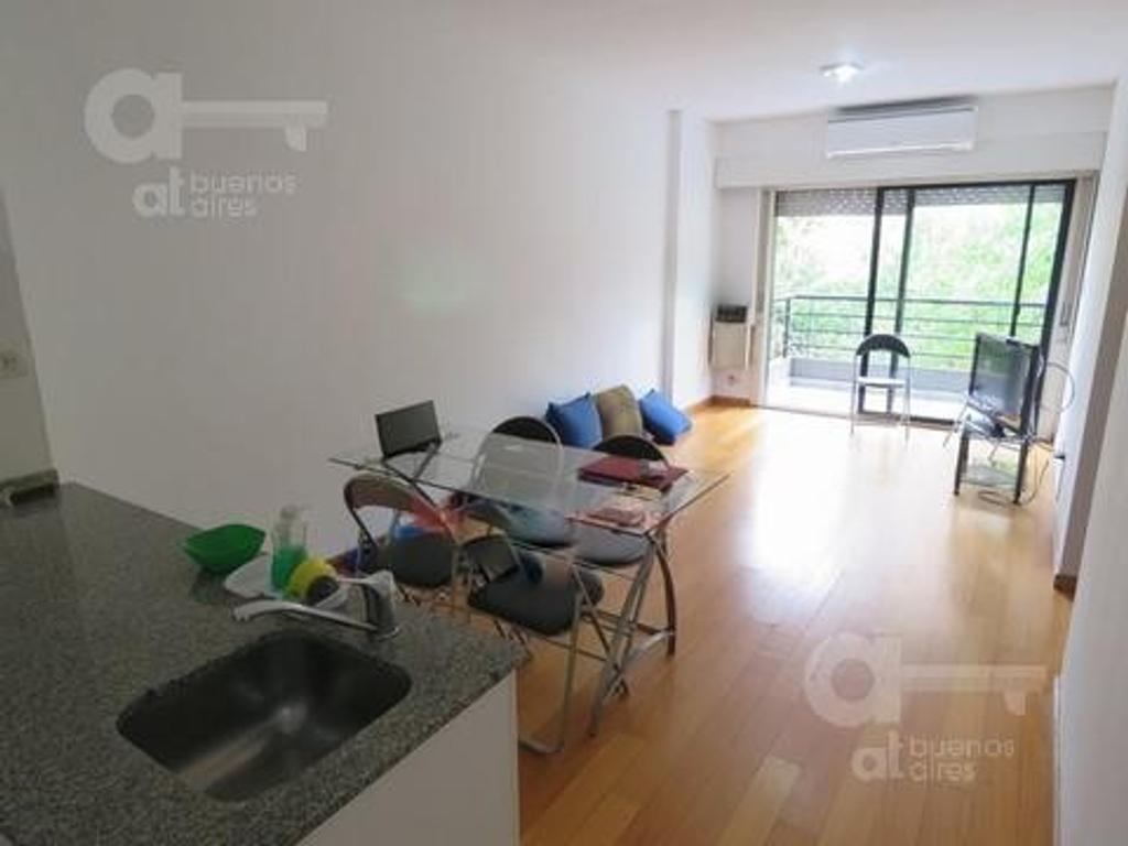 Belgrano. Departamento 2 ambientes con balcón corrido. Alquiler temporario sin garantías.