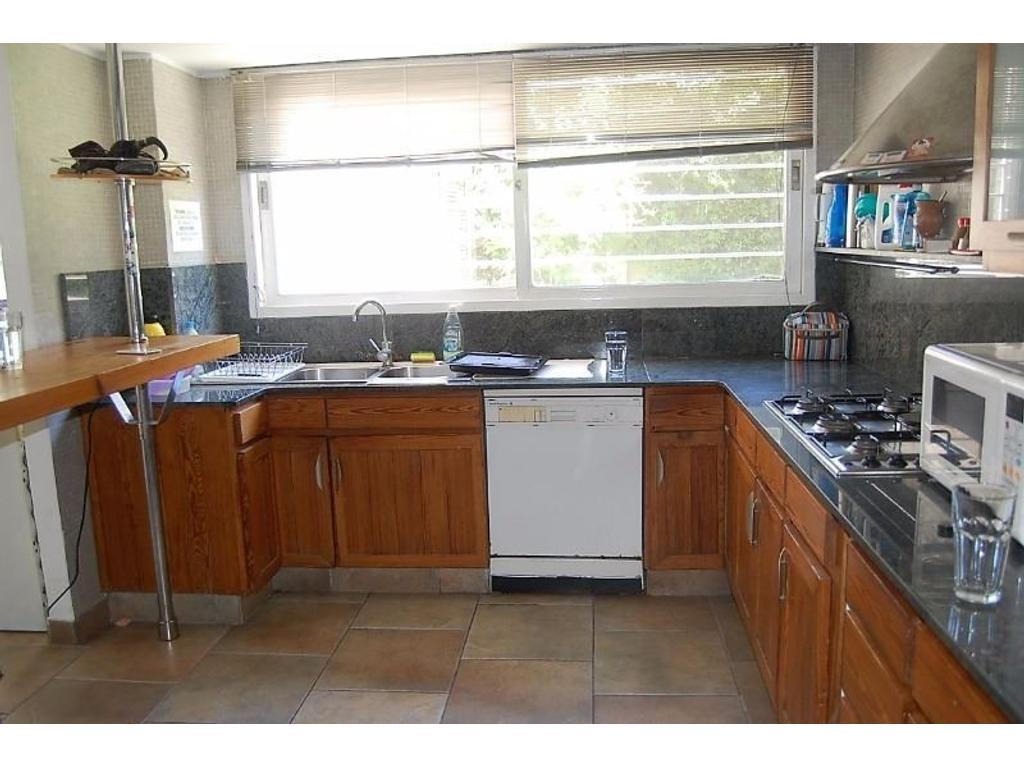 Casa Minimalista 6 ambientes o más