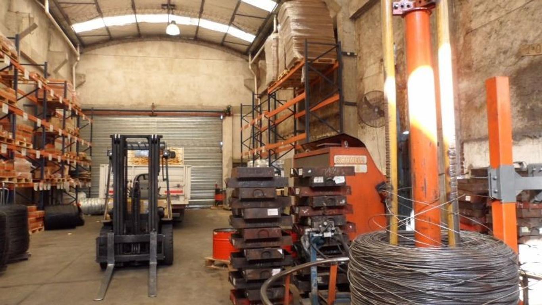 Vende  Galpón  Zona Industrial  400mts  Techo Tinglado  Próximo  Panamericana   San Lorenzo
