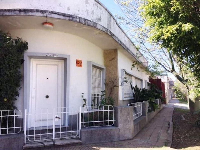 Casa - Venta - Argentina, Tres de Febrero - CABO GARCIA  AL 1800