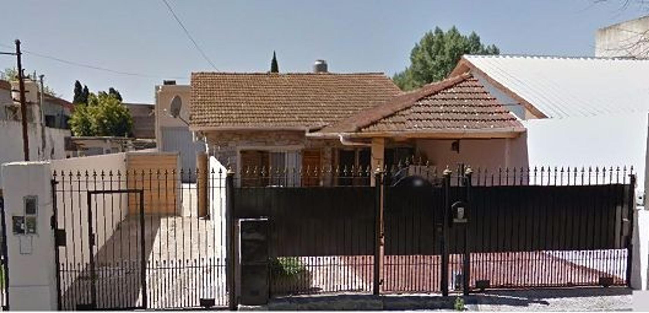 2 viviendas y deposito