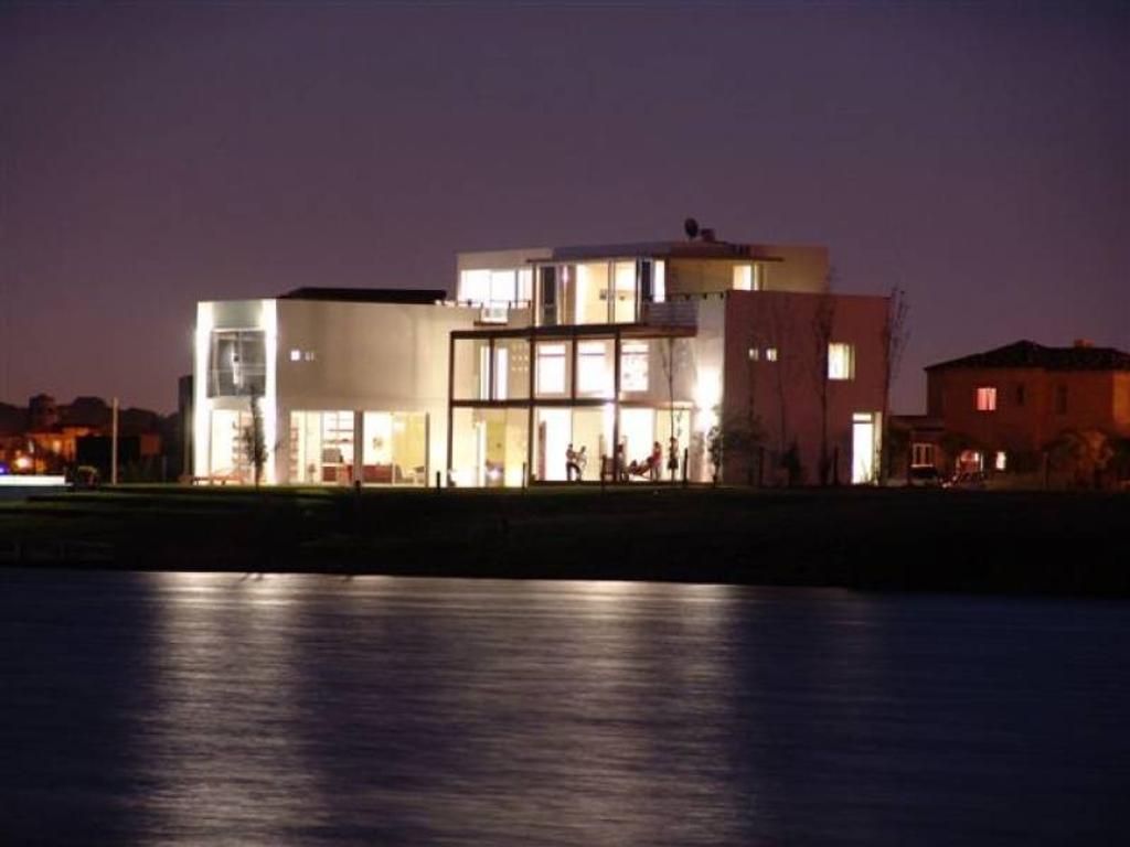 Excelente casa , ubicación unica, excelente espejo!!