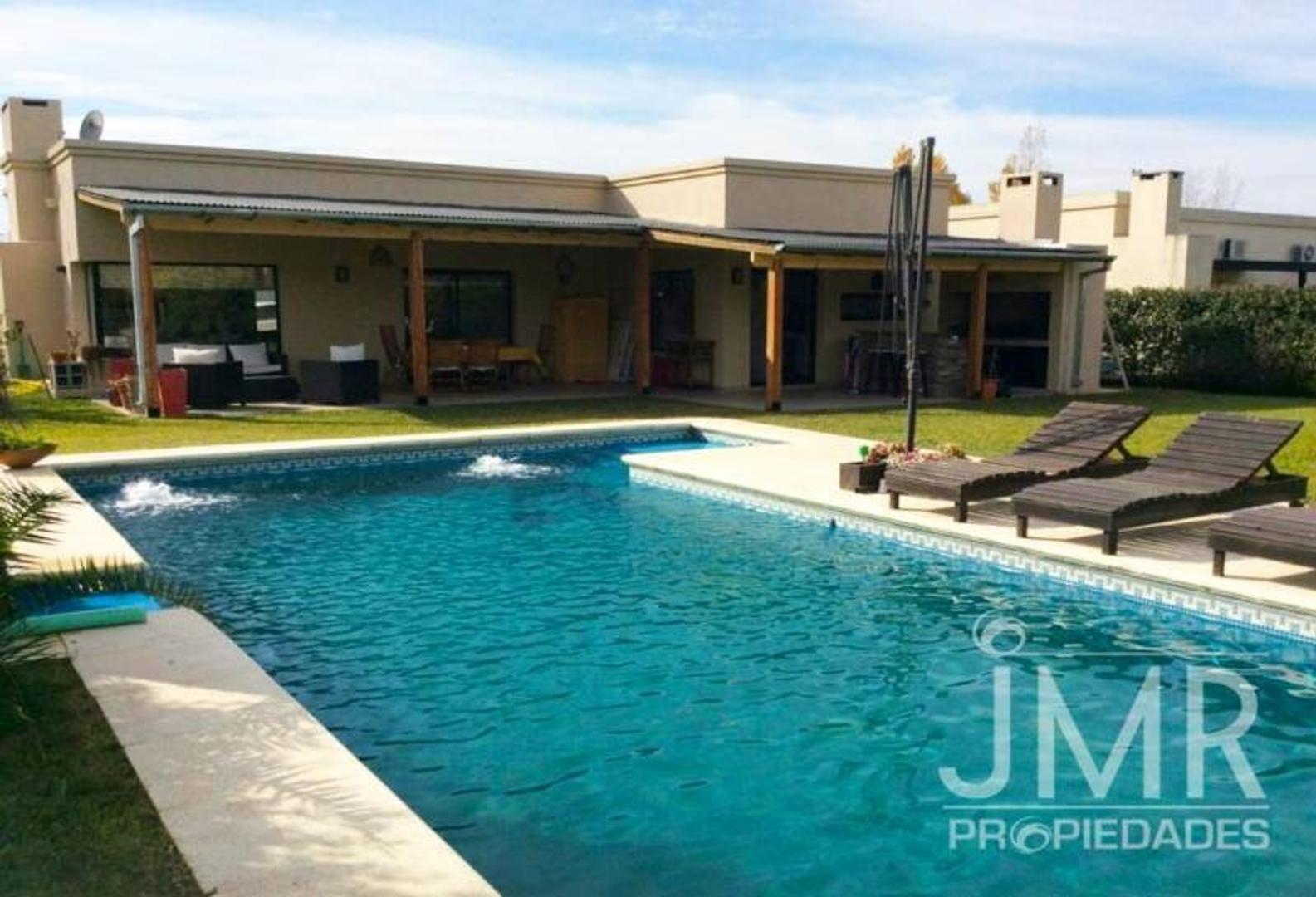 JMR Propiedades | Barrio El Recodo | Impecable Casa en venta