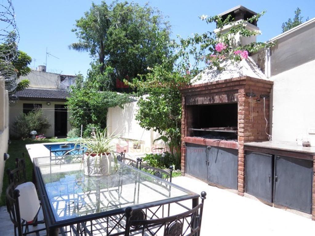Casa en venta en pico 4700 coghlan argenprop for Casa con lavadero