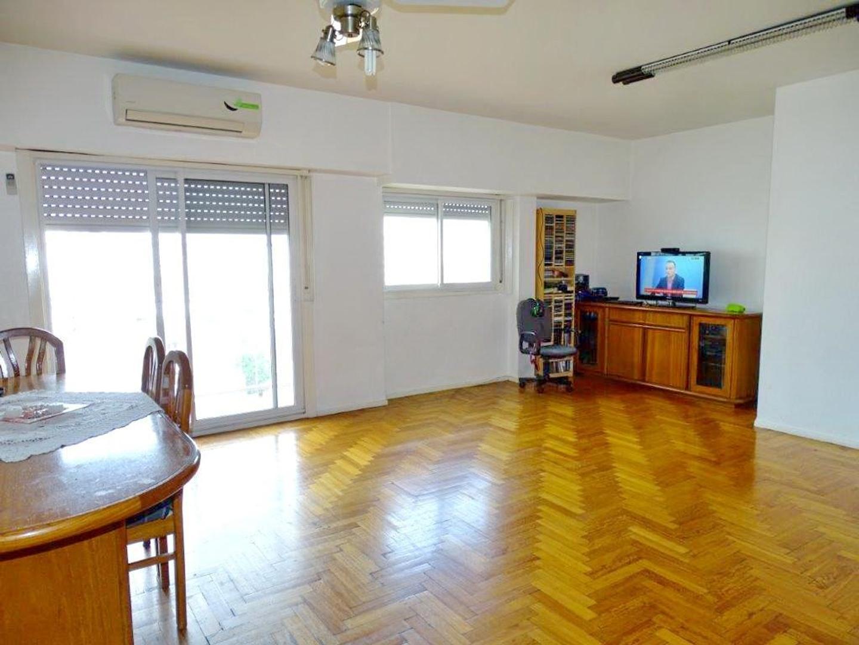 Av San Isidro 4300 - Nuñez - Excelente 4amb con doble balcon en esquina - Piso alto