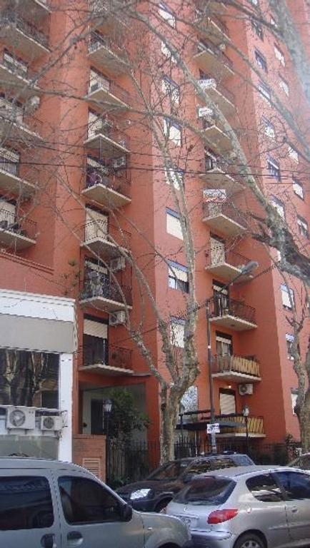Excelente departamento a mts Av Centenario