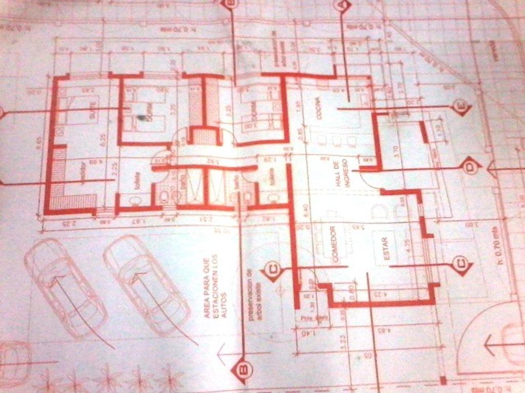 Casa en construcción en Tanti, a mts de R:P28. Servicios/Plano