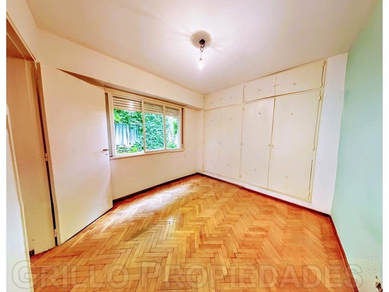 Córdoba 2368. Departamento dos ambientes. Cocina independiente. Dormitorio con placard.