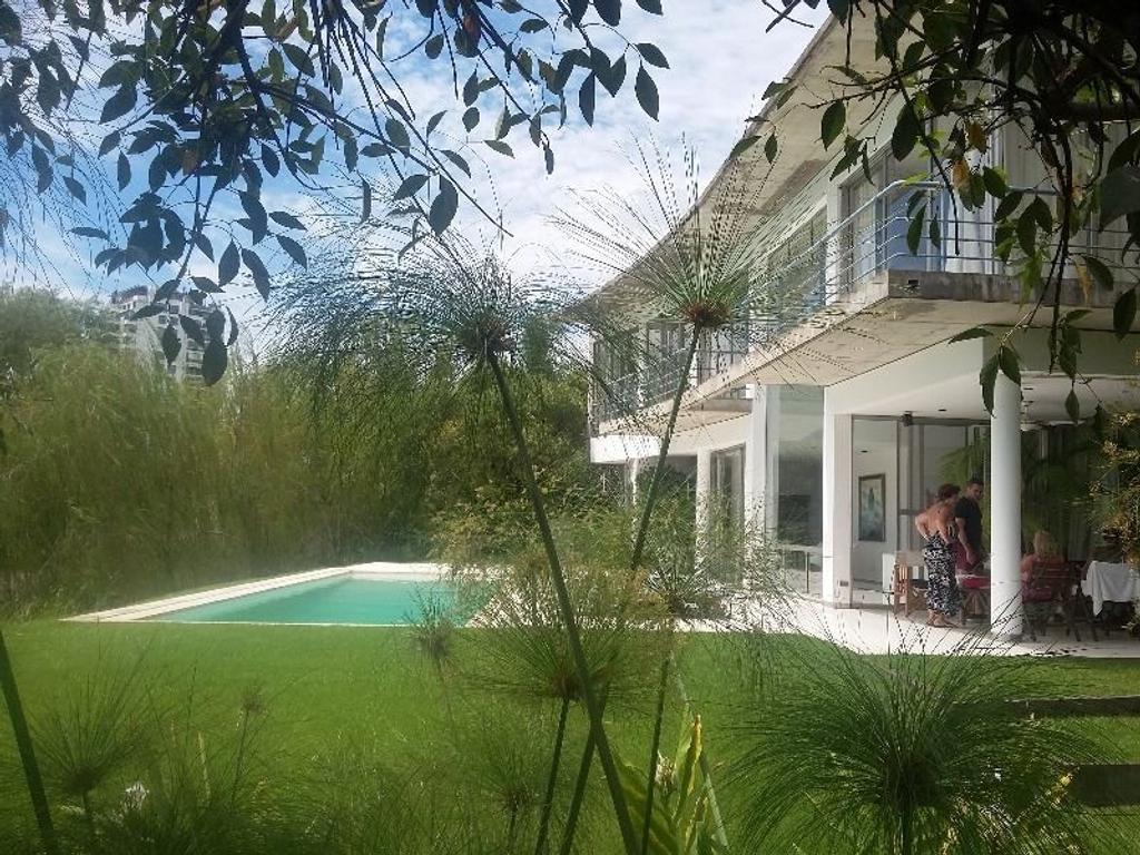 Casa en venta en Bº Santa María de Tigre, 4 dorm y 3 baños, TIGRE