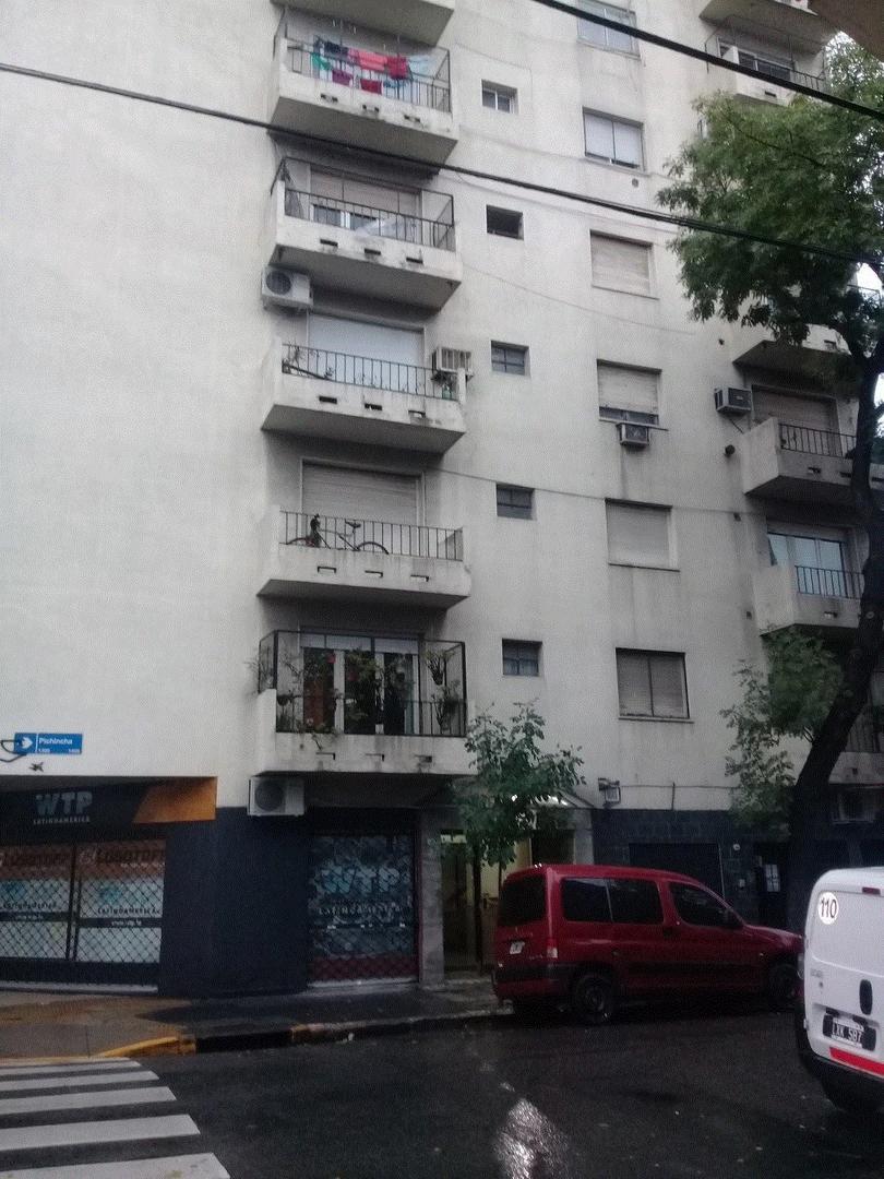 DEPARTAMENTO EN VENTA 4 AMBIENTES CON DEPENDENCIA, SAN CRISTOBAL
