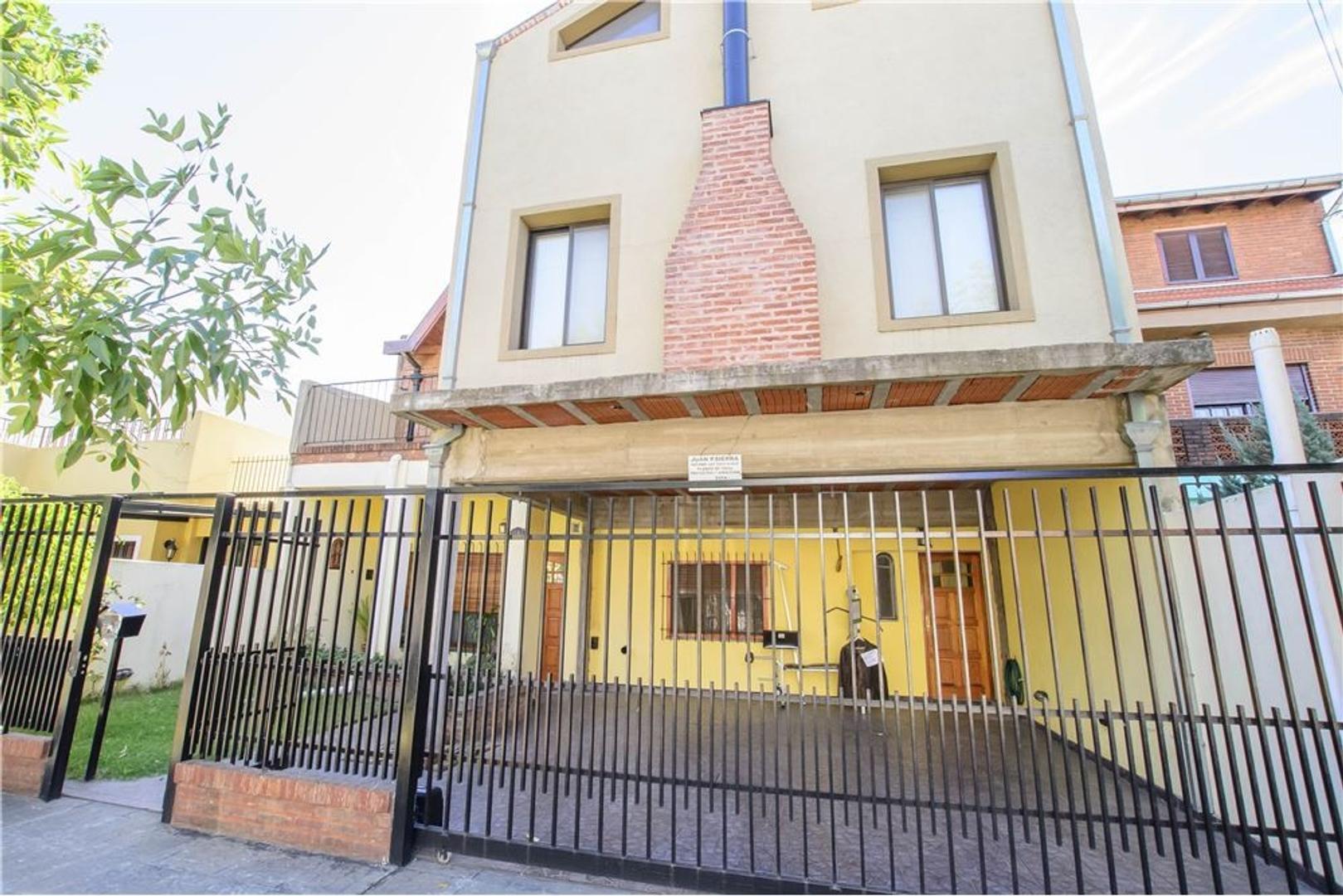 Casa en Villa Adelina. Ideal dos Familias