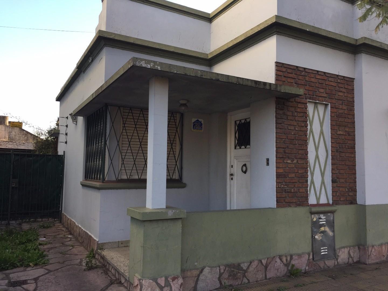 Casa 3 ambientes en Villa Sarmiento