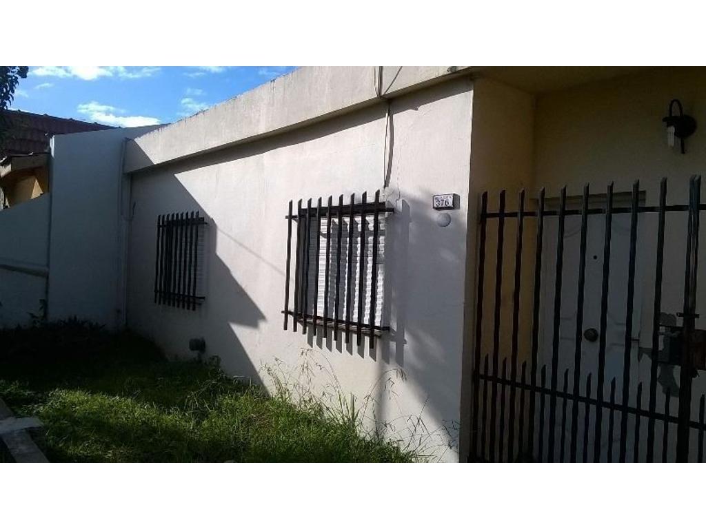 Casa 5 ambientes en Castelar sur,
