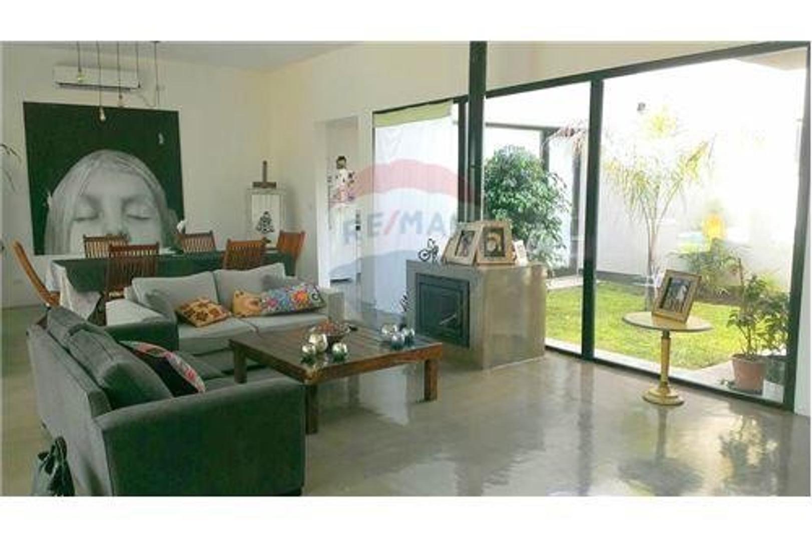 Casa en Venta en Haras Santa Maria - 4 ambientes