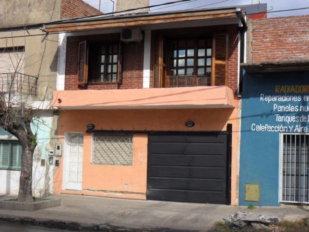 Departamento tipo casa en venta en avenida 9 de julio 3517 for Muebles 9 de julio lanus