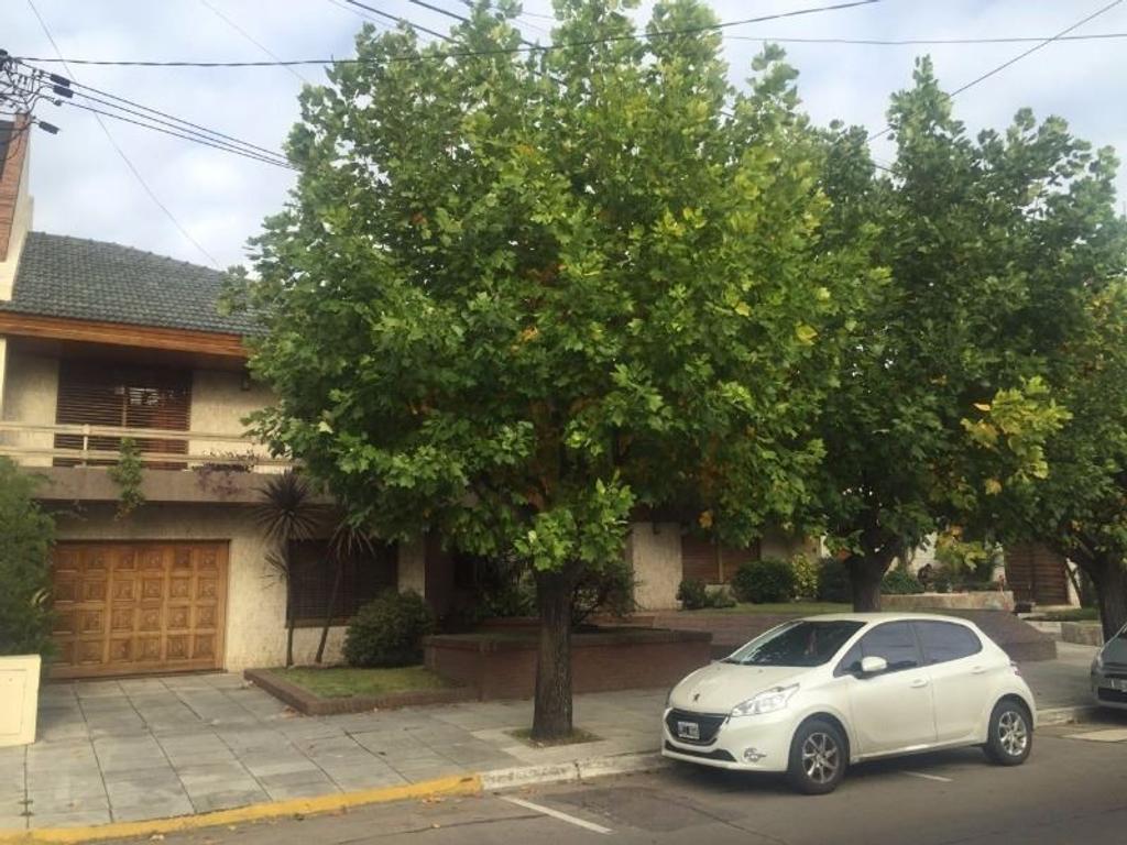 Casa Chalet de 5 Ambientes en Jujuy 2945 - San Justo