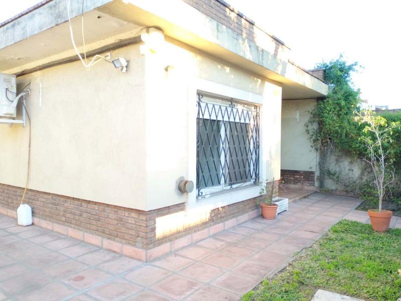 Casa en Venta - 3 ambientes - USD 210.000