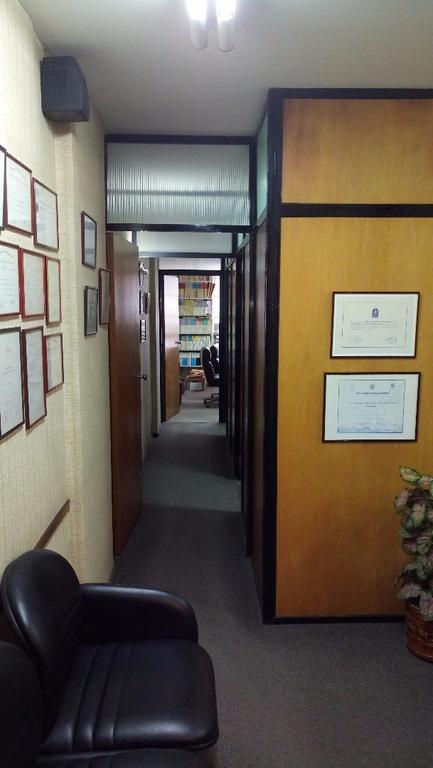 EXCELENTE OFICINA ,DESPACHO Y 2 PRIVADOS