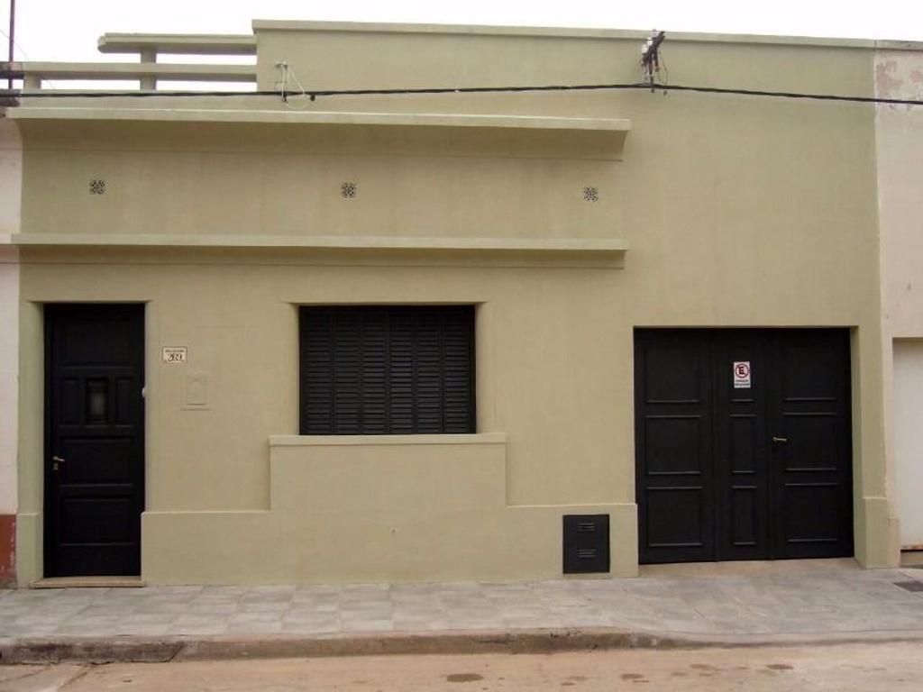VENTA CASA CON MUY BUENA UBICACIÓN - SAN ANTONIO DE ARECO