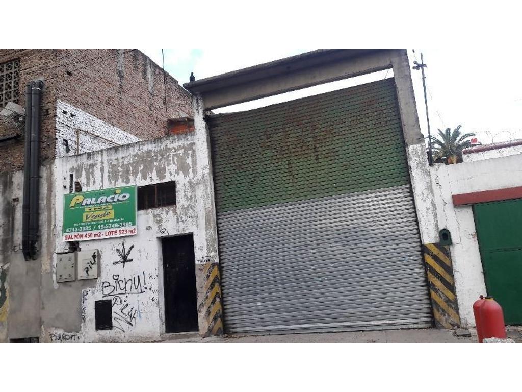 GALPÓN 450M2  C/OFICINA, VESTUARIO, BAÑO, PORTÓN LEVADIZO ELÉCTRICO. ZONA INDUSTRIAL DOMINANTE.