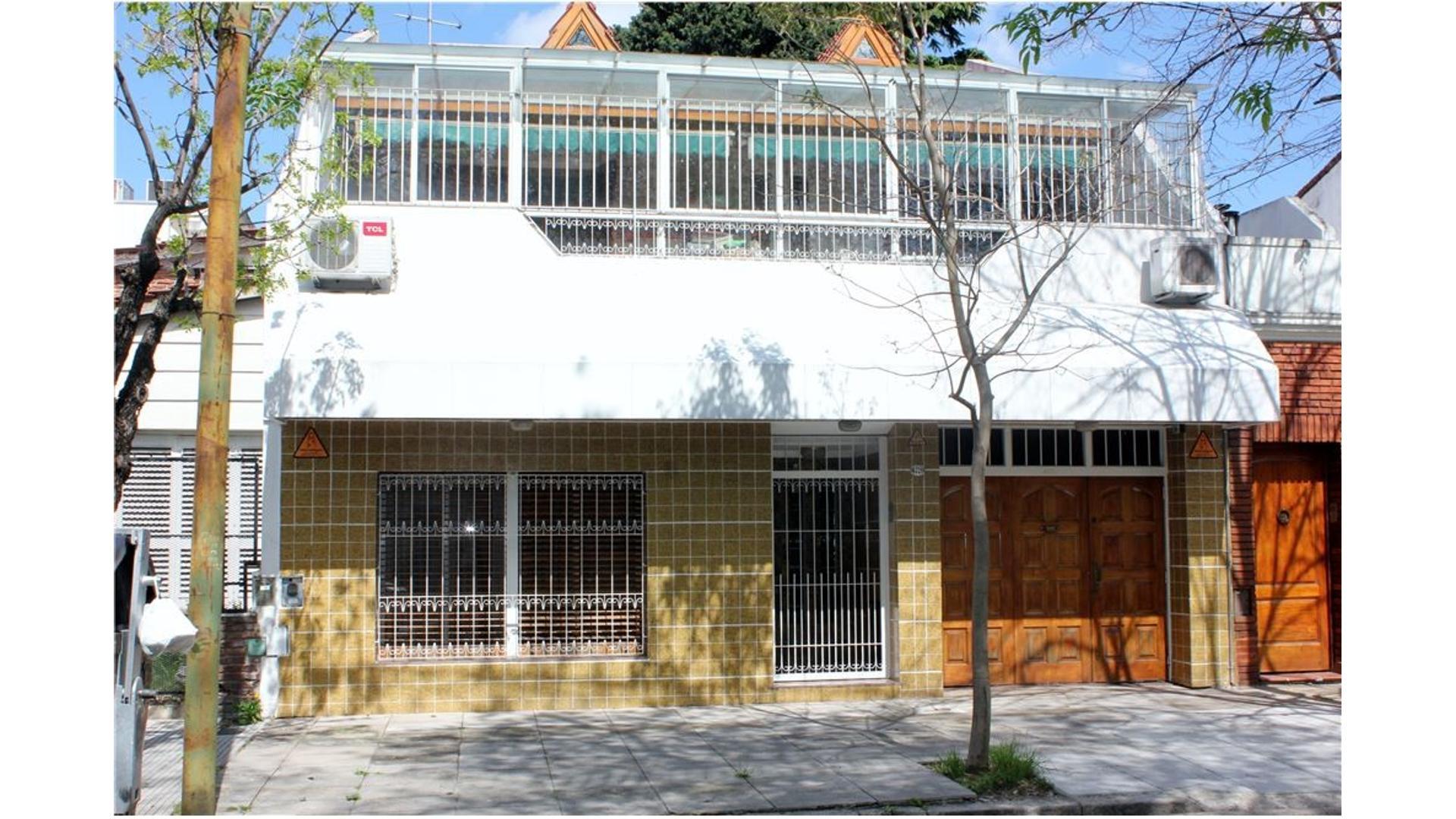 Casa lote propio, 4 dorm, garage,quincho, parrilla