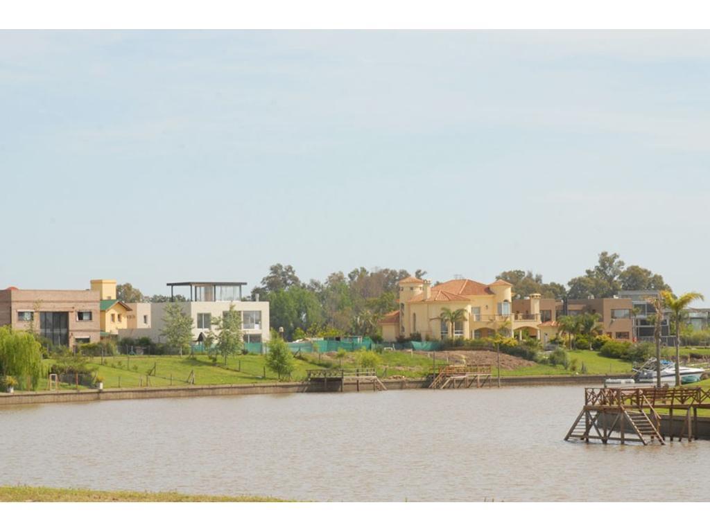 Lote en venta al río de 1650 m2 en BºCº Santa Catalina Tigre único e irrepetible!!!