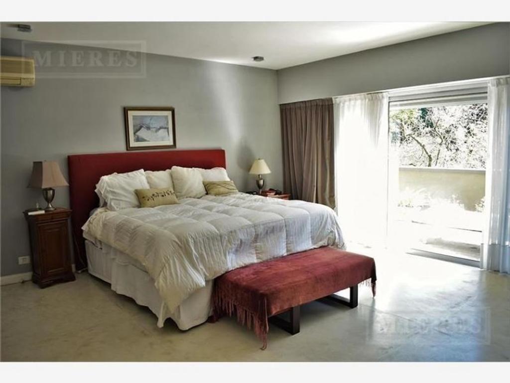 Excelente casa en venta en Tortugas C.C. Pilar