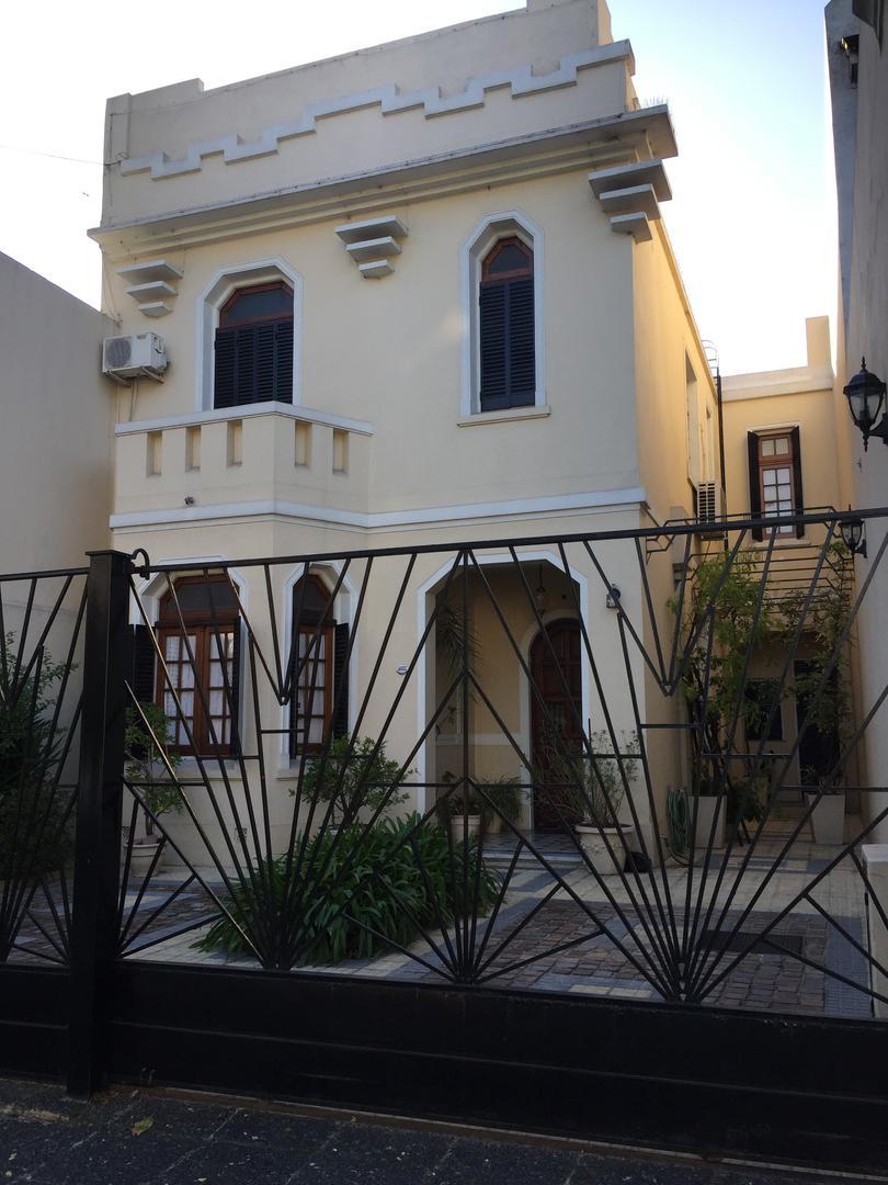 Casa en Venta en Belgrano R - 7 ambientes