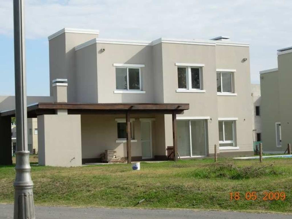 Casa en Alquiler: Altos Del Sol