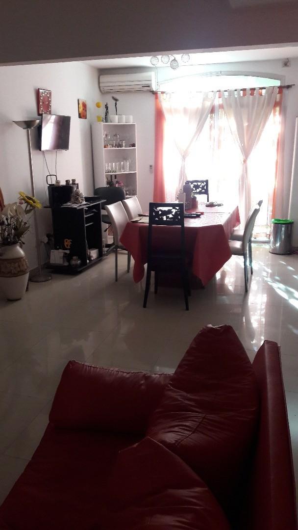 Departamento tipo casa O.S.Alberto 3300 1°A