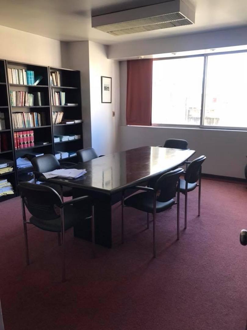 Espectacular oficina en excelente estado, muy amplia! ubicacion inmejorable