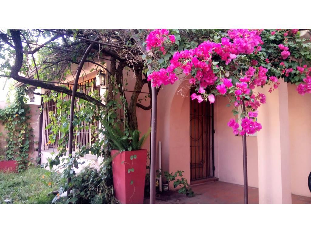 Casa en venta 4 amb en Florida Mitre Jardín Cochera