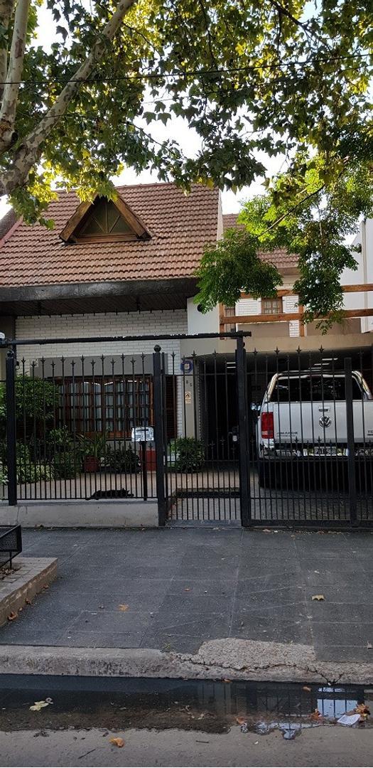 Casa en Venta en Villa Saenz Peña - 6 ambientes
