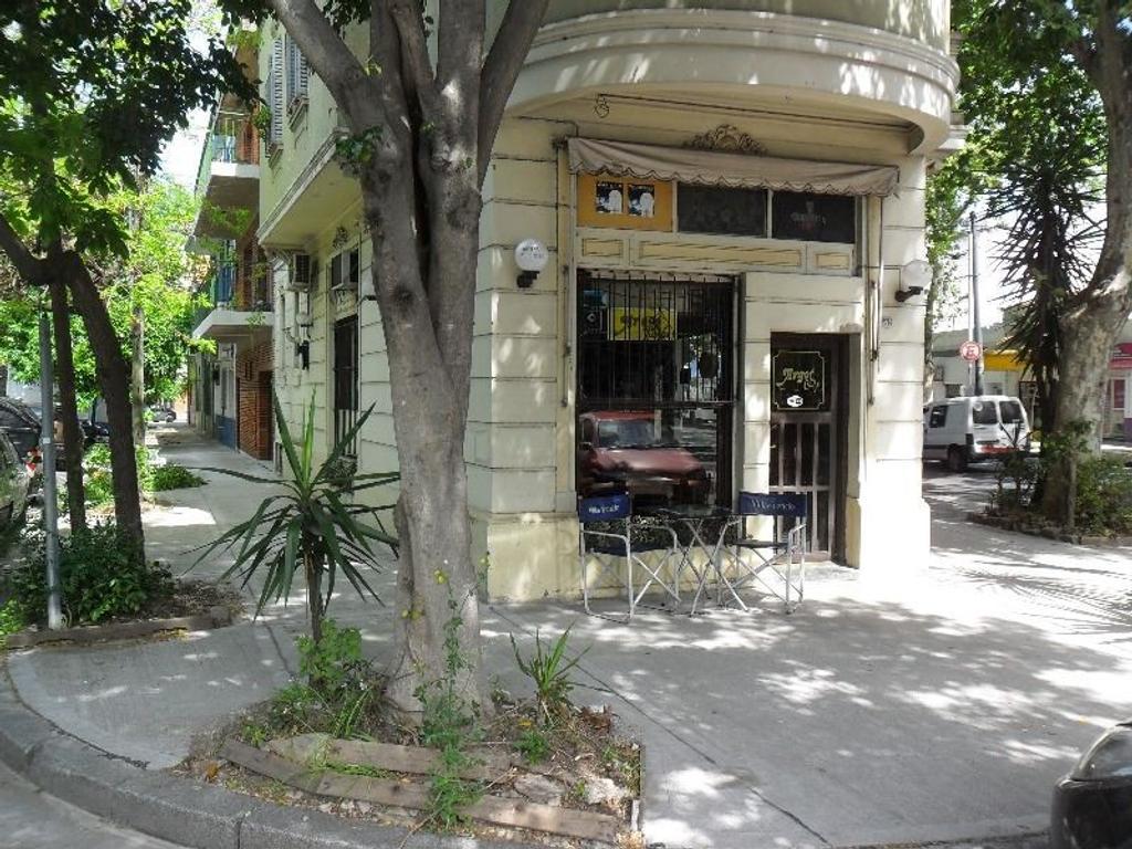 Cafe - Petit Restaurante en esquina unica