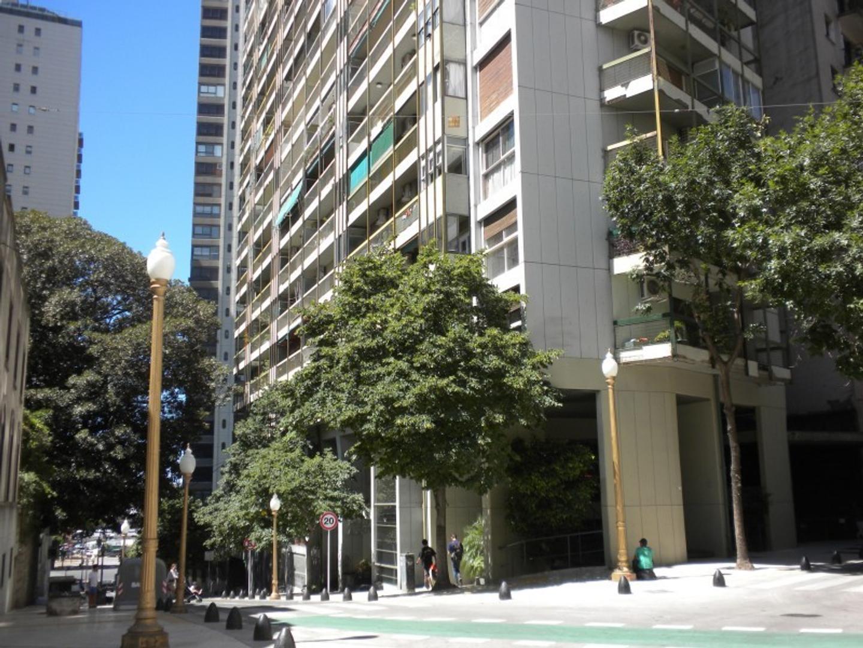Arroyo al 897. A metros de Plaza San Martin. Venta de departamento 2 Ambientes B Norte.Torre Categ