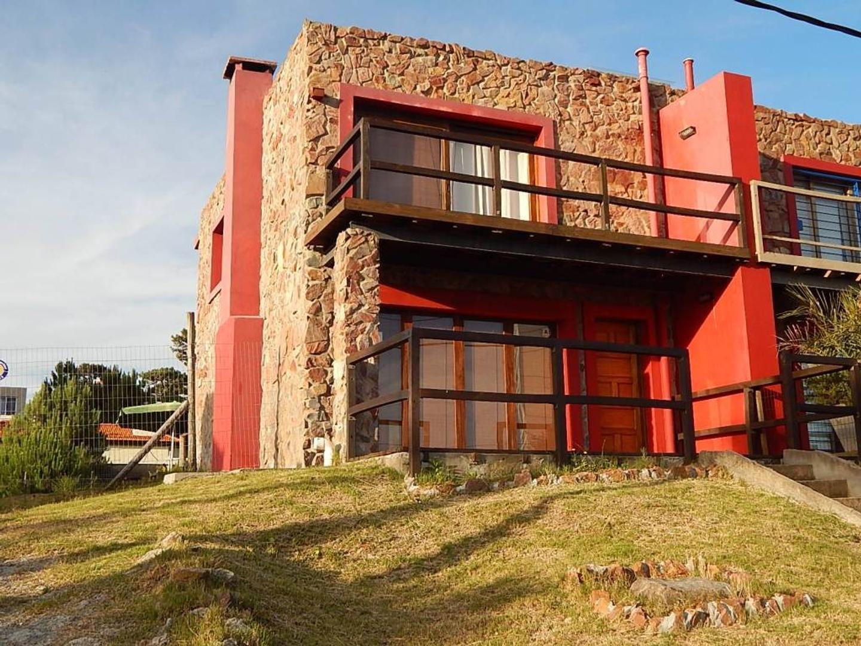 Casa en Alquiler Por Temporada en Playa Mansa - 3 ambientes